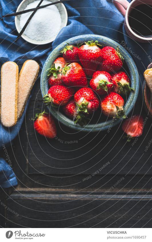 Schüssel mit frischen Erdbeeren Lebensmittel Frucht Kuchen Dessert Süßwaren Ernährung Bioprodukte Vegetarische Ernährung Italienische Küche Getränk Kaffee