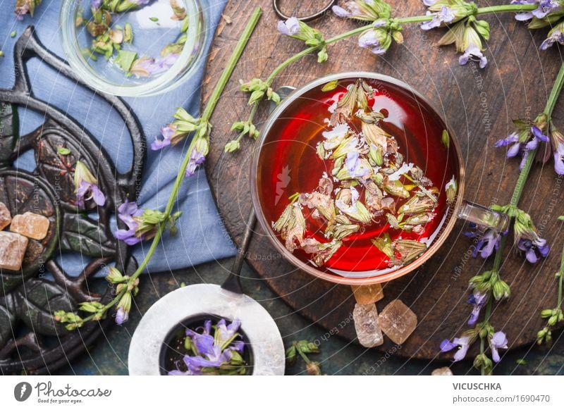 Tasse Kräutertee mit frischen Kräutern Gesunde Ernährung Leben Stil Gesundheit Design Häusliches Leben Tisch weich Getränk heiß Tee altehrwürdig