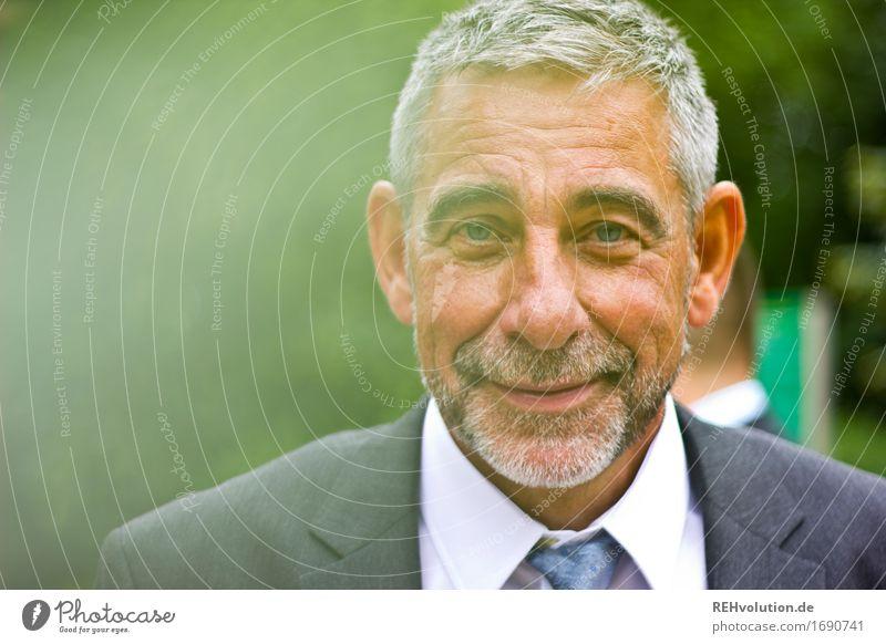 Schönster Tag | stolzer Papa Mensch Natur Mann alt grün Freude Gesicht Erwachsene Umwelt Senior Gesundheit Glück Feste & Feiern maskulin Zufriedenheit