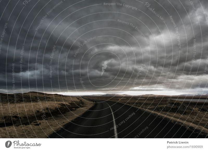 Dunkle Zeiten Himmel Natur Ferien & Urlaub & Reisen Landschaft Wolken dunkel Straße Umwelt Leben Wege & Pfade Erde Horizont Verkehr Wetter Insel Abenteuer