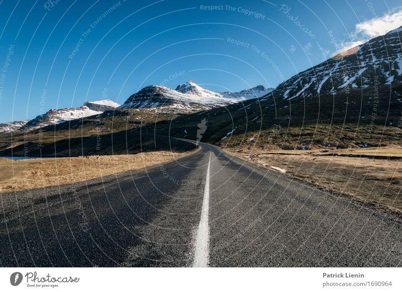 Highway in Island Himmel Natur Ferien & Urlaub & Reisen Landschaft Winter Berge u. Gebirge Straße Umwelt Leben Wege & Pfade Schnee Erde Horizont Verkehr Wetter