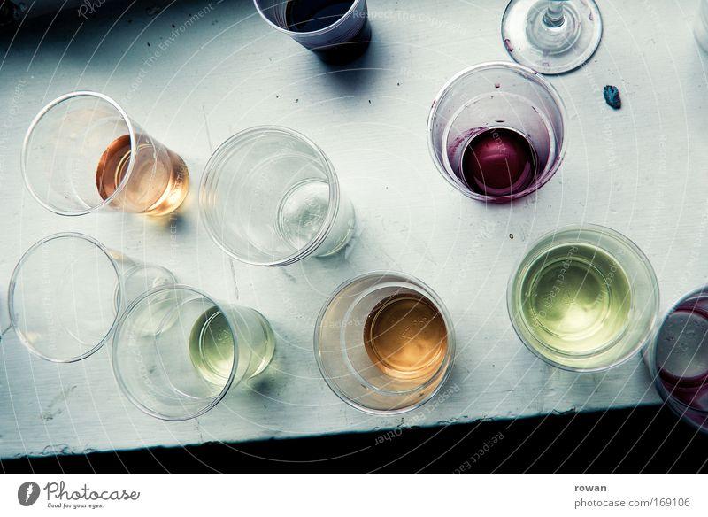 party is over Farbfoto mehrfarbig Innenaufnahme Glas Wein Saft Plastikbecher Becher Geschirr Geschirrspülen Getränk Feste & Feiern Reinlichkeit Sauberkeit