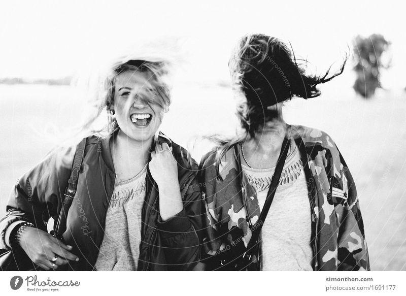 Freundin Mensch schön Freude Leben Liebe Gefühle feminin Familie & Verwandtschaft lachen Glück Freiheit Stimmung Freundschaft Zufriedenheit leuchten verrückt