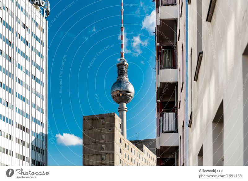 Berlin / Fernsehturm Hauptstadt Turm Sehenswürdigkeit Wahrzeichen Berliner Fernsehturm Alexanderplatz Bekanntheit hoch Telekommunikation Farbfoto Außenaufnahme