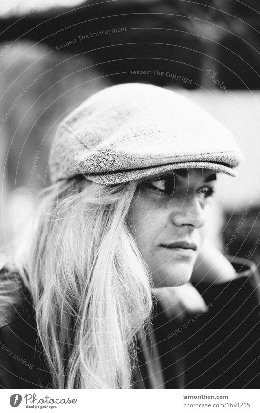 Portrait Mensch schön natürlich feminin Lifestyle Stil Gesundheit Glück Mode frei frisch elegant blond Fröhlichkeit Kultur lernen