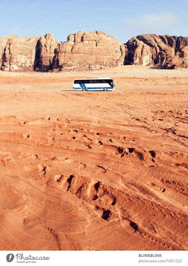 Bus in Wadi Rum Lifestyle Ferien & Urlaub & Reisen Tourismus Ausflug Abenteuer Freiheit Expedition Sonne Natur Landschaft Erde Himmel Dürre Felsen
