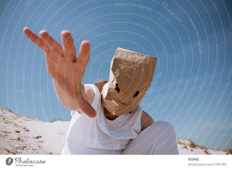 abra abra cadabra Mensch Hand Sommer Erwachsene Angst maskulin gefährlich außergewöhnlich Macht bedrohlich 18-30 Jahre Maske Wüste berühren stark bizarr