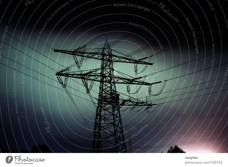 380KV grün schwarz dunkel rosa Elektrizität Technik & Technologie Lomografie Strommast elektrisch Hochspannungsleitung Energiekrise