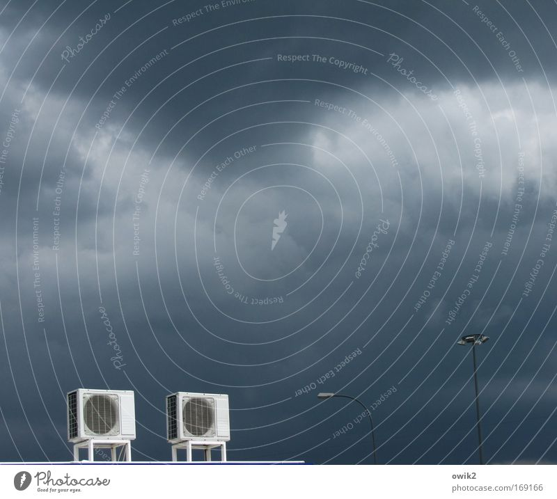 Zwillinge Natur Himmel dunkel kalt Arbeit & Erwerbstätigkeit Wind Umwelt Industrie Energiewirtschaft paarweise Zukunft Technik & Technologie Dach Klima Sturm