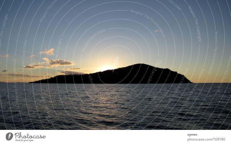 A Kind of dusk Himmel Natur Wasser Wolken Erholung träumen Luft Insel ästhetisch Urelemente Unendlichkeit geheimnisvoll Idylle entdecken genießen Schönes Wetter