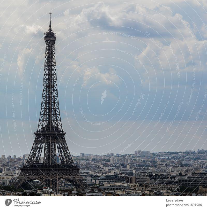 Eiffelturm Himmel Ferien & Urlaub & Reisen Landschaft Wolken Freude Ferne Umwelt Architektur Lifestyle Stil Gebäude Glück Kunst außergewöhnlich Freiheit