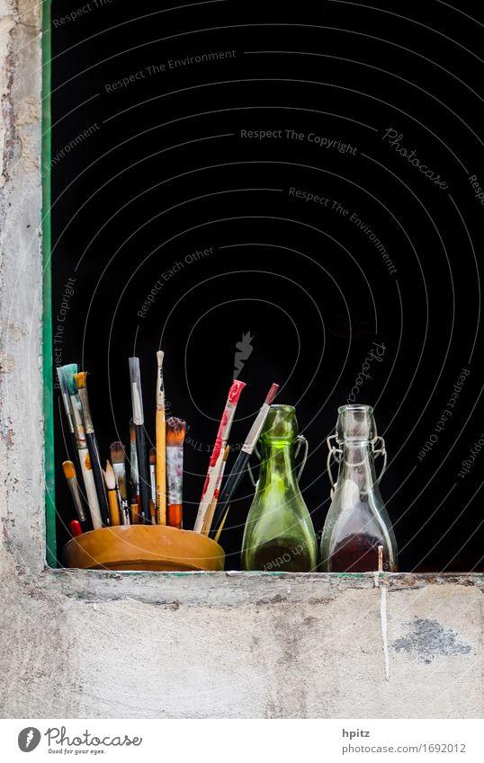 ins fenster gestellt Farbe Erholung Freude schwarz Glück Kunst Zufriedenheit Dekoration & Verzierung Glas ästhetisch genießen beobachten entdecken Flasche Pinsel Maler