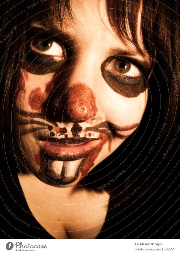 Horrorhase I Mensch Jugendliche rot Freude Gesicht schwarz feminin Spielen Glück Angst Kunst Erwachsene Deutschland verrückt Coolness außergewöhnlich