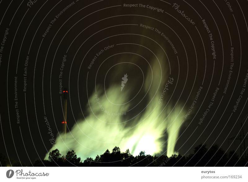 Industrie Dunst grün schwarz gelb Industriefotografie Rauch Klimawandel industriell Stadtrand Kernkraftwerk Firmengebäude Nebel Kohlekraftwerk Nebelschleier