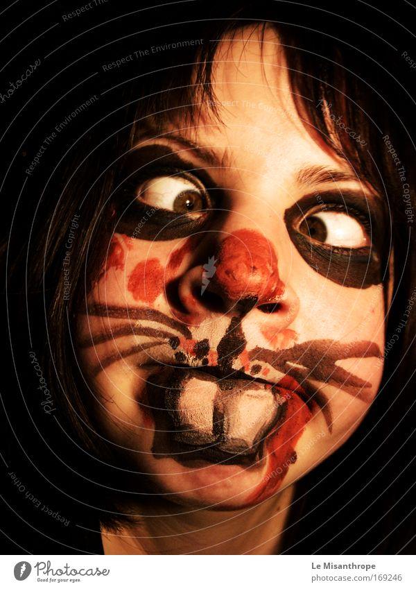 Horrorhase II Mensch Jugendliche rot Freude Gesicht schwarz feminin Glück Angst Kunst lustig Erwachsene Deutschland frei verrückt