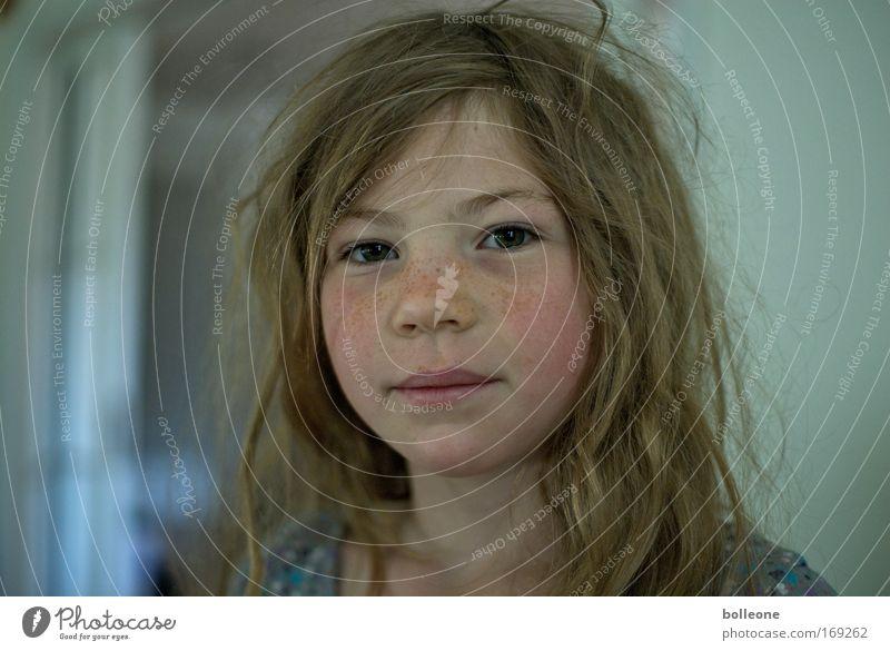 Da sprosst der Sommer II Mensch Mädchen Gesicht feminin Kind Haare & Frisuren frisch Porträt brünett Blick langhaarig
