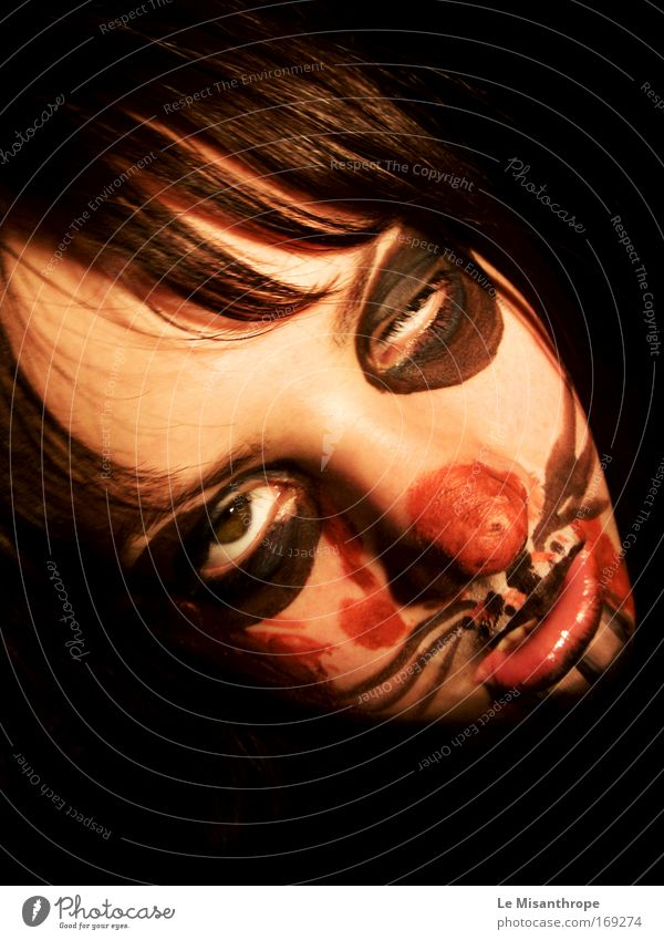 Horrorhase III Mensch Jugendliche rot Freude Gesicht schwarz dunkel feminin Angst Erwachsene Deutschland verrückt außergewöhnlich gruselig Kindheit trashig