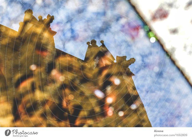 am Brunnen vor dem Dome Wasser Kirche Sehenswürdigkeit glänzend blau braun Glaube Religion & Glaube Leichtigkeit träumen Lichtpunkt Höhepunkt mehrfarbig Fleck