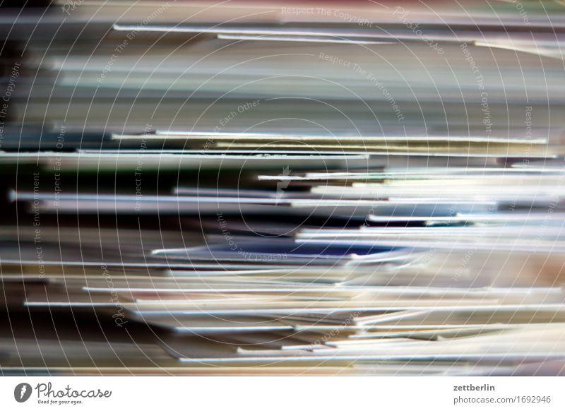 Visitenkarten Papier Karton Ausdruck Druck Drucker Druckerei schicht Stapel viele Schwache Tiefenschärfe Unschärfe Hintergrundbild Grafik u. Illustration