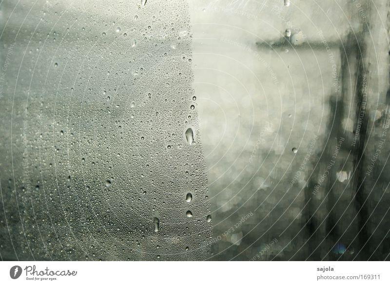 bonjour tristesse Wasser Einsamkeit Tod Fenster grau Traurigkeit Wassertropfen nass Trauer trist Flüssigkeit Kunststoff Urelemente Sorge