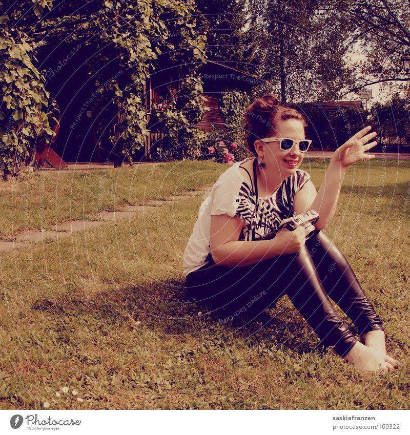 Born In The Eightees. Mensch Jugendliche Freude feminin Freiheit Mode Erwachsene sitzen modern Coolness retro Freizeit & Hobby einzigartig Lebensfreude