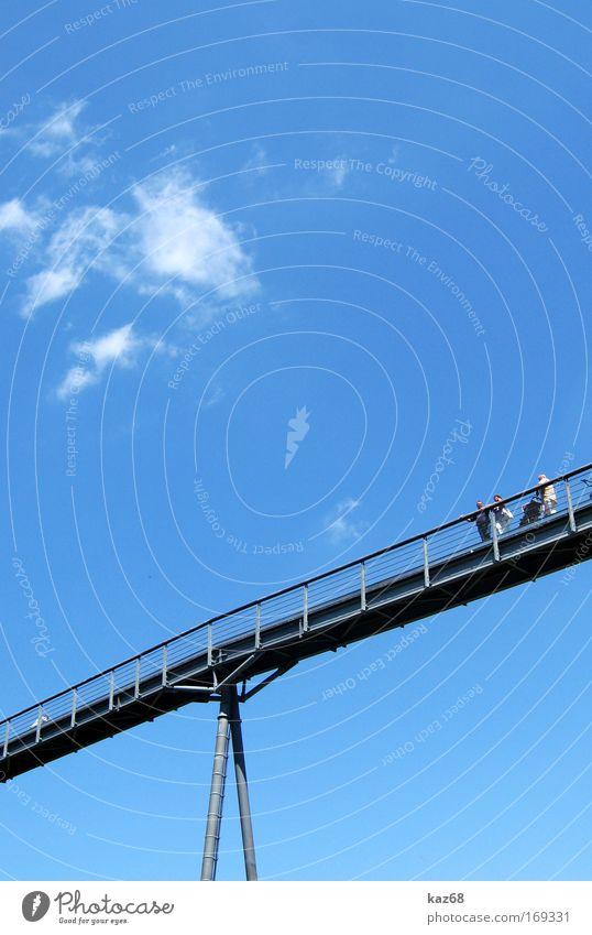 weg zum himmel Himmel Sommer Himmel (Jenseits) Straße oben Wege & Pfade Freiheit Architektur Angst groß hoch gefährlich Brücke Aussicht Verbindung Mut
