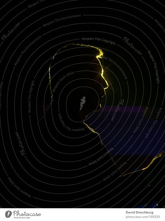 Mr. Starlight Farbfoto Strukturen & Formen Nacht Kunstlicht Schatten Kontrast Silhouette Lichterscheinung Gegenlicht Wegsehen Mensch Mann Erwachsene Kopf