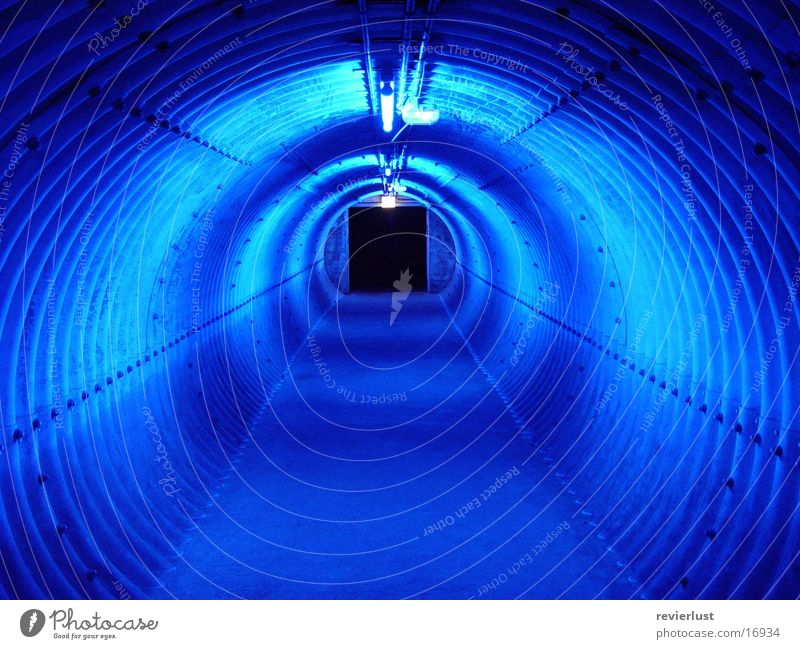 blaugang blau Industrie Tunnel