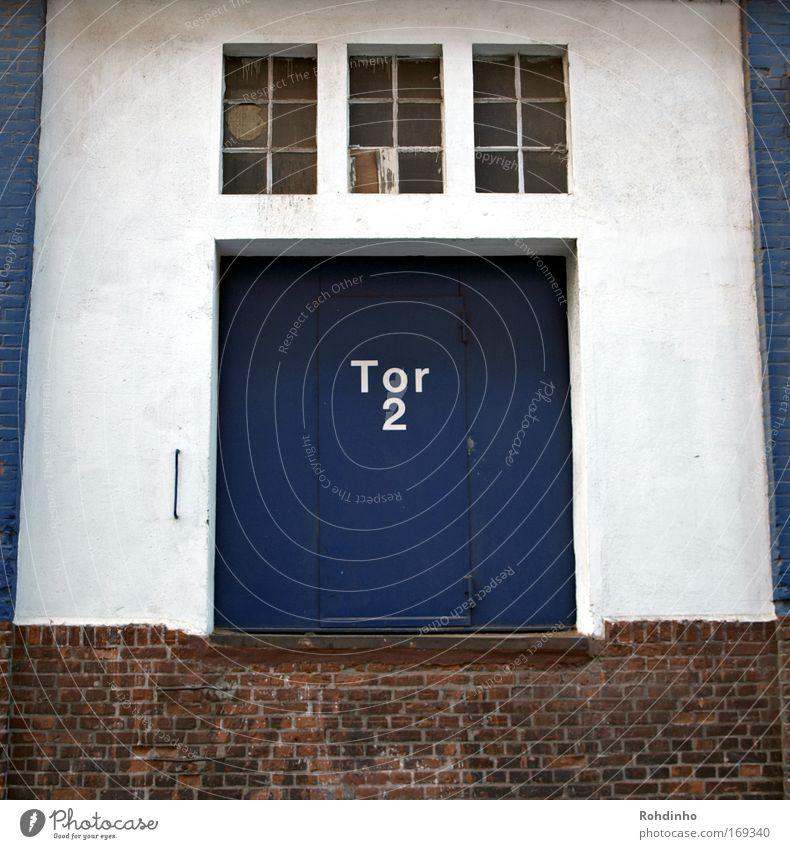 Zonk?! ...oder doch lieber Tor3 weiß blau rot Wand Fenster Mauer Gebäude Architektur Tür Industrie Güterverkehr & Logistik Fabrik Fernsehen authentisch Show