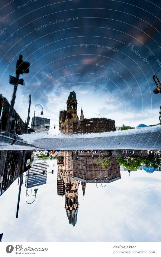 Spiegelung der Gedächtniskirche in Pfütze Ferien & Urlaub & Reisen Tourismus Ausflug Sightseeing Städtereise Hauptstadt Kirche Bauwerk Gebäude Architektur