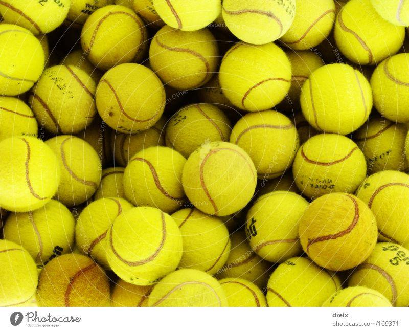 Gelb Sind Die Bälle Farbfoto Nahaufnahme Experiment Menschenleer Kunstlicht Tennis Tennisball viele gelb Zusammenhalt