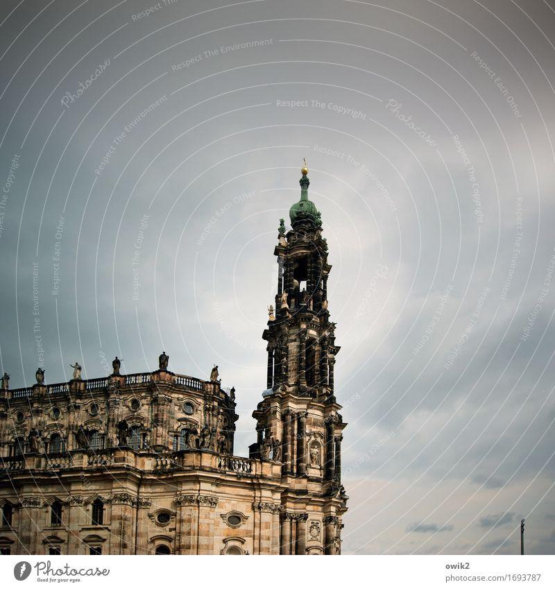 Sandsteingebirge Barock Elbsandstein Dresden Deutschland Hauptstadt Stadt Stadtzentrum Altstadt Skyline Kirche Bauwerk Gebäude Architektur Hofkirche