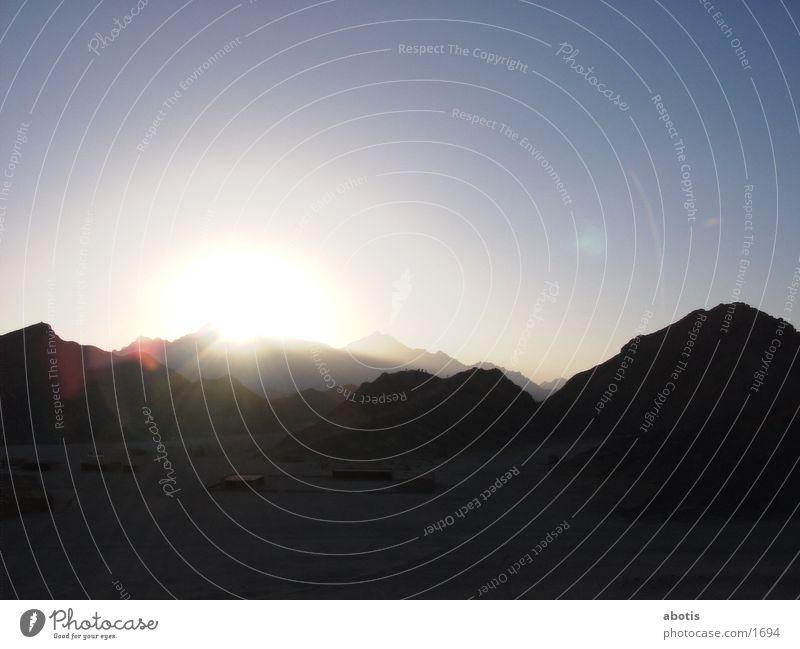 desert sun set Haus Wüste Hügel