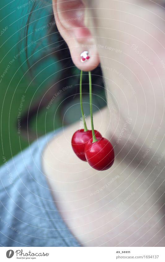 Kirschenzeit Frucht Ernte Bioprodukte schön Wellness Sommer Garten feminin Mädchen Kindheit Leben Ohr Natur Schmuck Ohrringe brünett hängen grün rot Farbe