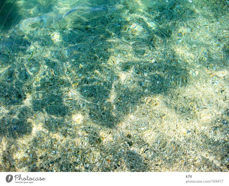 klar blau grün Wasser Sommer Sonne Meer ruhig Küste Stein See glänzend frisch Schönes Wetter Sauberkeit Sommerurlaub