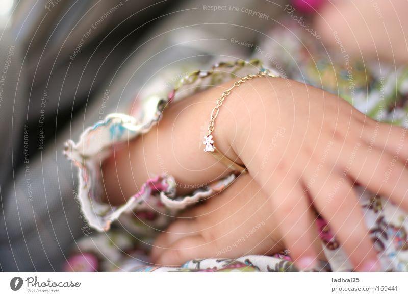 Schlaf Bärchen Schlaf .. Mensch Kind Hand Mädchen Stimmung Kindheit Arme Haut Finger Sicherheit Kleinkind Geborgenheit Stolz Frühlingsgefühle 1-3 Jahre