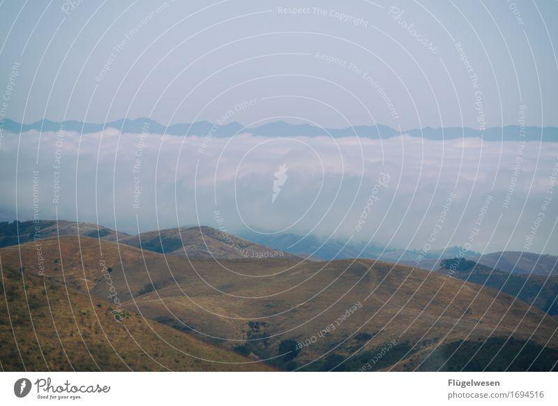 Über den Wolken Ferien & Urlaub & Reisen Tourismus Ausflug Abenteuer Ferne Freiheit Umwelt Natur Landschaft Klima Klimawandel Wetter schlechtes Wetter Nebel