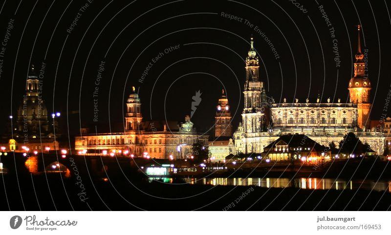 Dresden bei Nacht Farbfoto Außenaufnahme Menschenleer Kunstlicht Licht Langzeitbelichtung Panorama (Aussicht) Ferien & Urlaub & Reisen Tourismus Ausflug