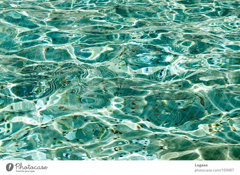 Geldwäsche Farbfoto Außenaufnahme Muster Strukturen & Formen Menschenleer Tag Reflexion & Spiegelung Zentralperspektive Sommer Wellen See nass unten Glück