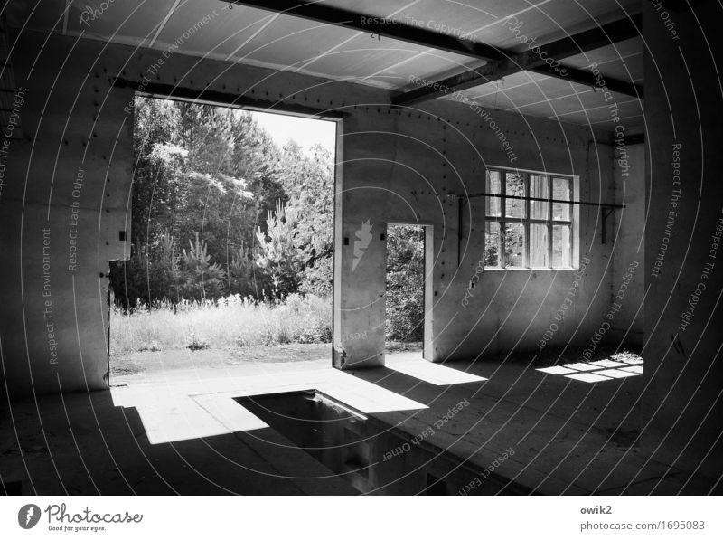 Tür und Tor Kahla Brandenburg Deutschland Industrieanlage Fabrik Ruine Bauwerk Gebäude Werkstatt Mauer Wand Fenster offen Sehenswürdigkeit Denkmal Beton