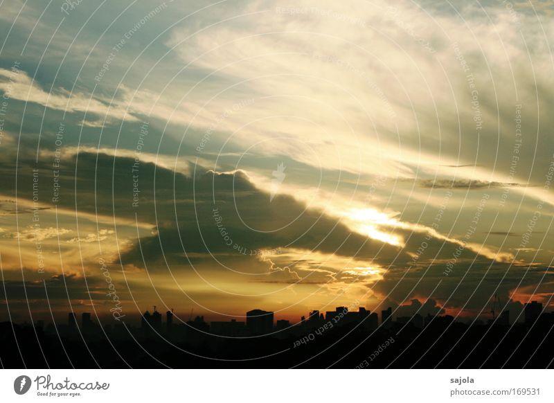 wolkenfetzen über der stadt Städtereise Umwelt Natur Landschaft Urelemente Luft Himmel Wolken Sonne Sonnenaufgang Sonnenuntergang Sonnenlicht Singapore Asien