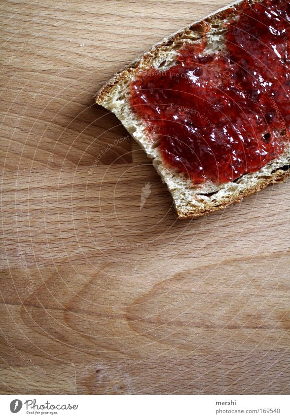 Frühstück gefällig?! rot Ernährung Holz Stimmung Lebensmittel süß lecker Appetit & Hunger Frühstück Süßwaren Brot genießen Abendessen Erdbeeren Durst Marmelade