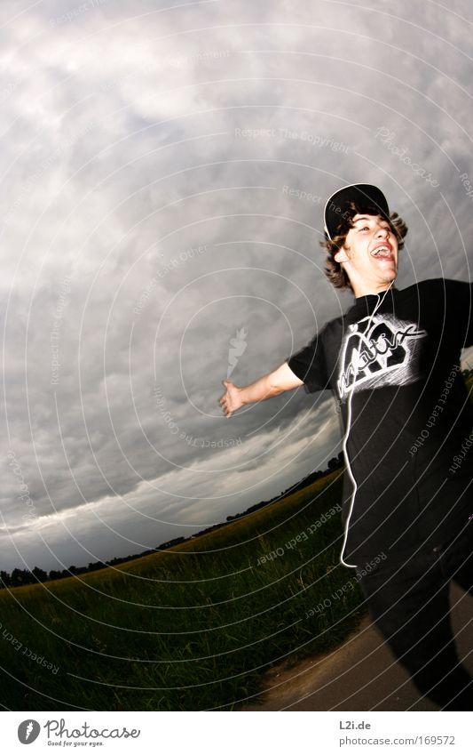 IN-EAR FESTIVAL Farbfoto Außenaufnahme Textfreiraum links Blitzlichtaufnahme Fischauge Mensch maskulin Junger Mann Jugendliche Leben Kopf Haare & Frisuren Mund