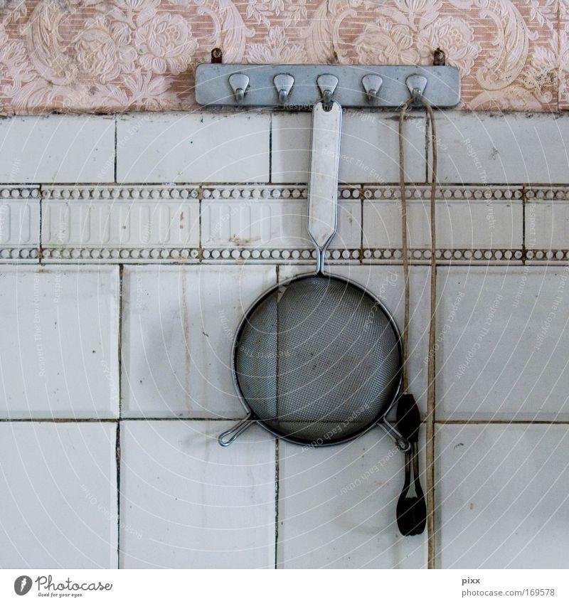 ausgesiebt Sieb 7 Trennung verlassen verfallen Fliesen u. Kacheln Tapete Muster rosa alt Haushalt Küche Wand kochen & garen Familie Nudeln Ruine Kabel Haken