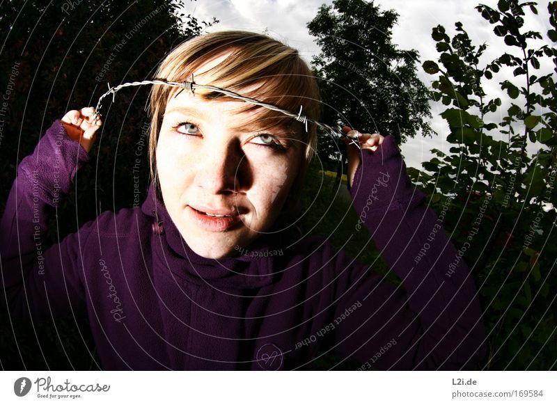JESUS-GIRL Mensch Hand Jugendliche Gesicht Auge feminin Haare & Frisuren Kopf Traurigkeit Erwachsene Zähne bedrohlich gruselig Junge Frau 18-30 Jahre