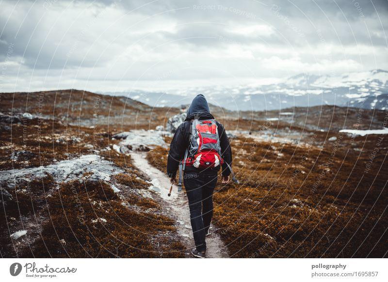 my way to norway II Mensch Ferien & Urlaub & Reisen Jugendliche Mann Junger Mann Wolken Ferne 18-30 Jahre Berge u. Gebirge Erwachsene Leben Herbst Sport