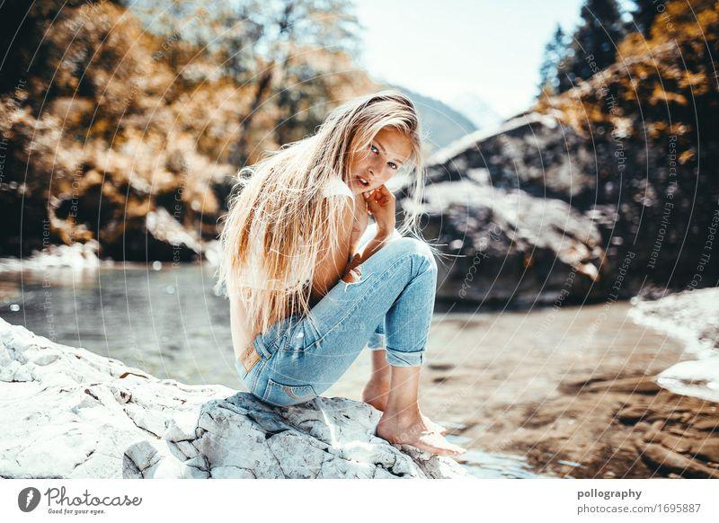 Jeans Mensch Ferien & Urlaub & Reisen Jugendliche Junge Frau schön Sonne 18-30 Jahre Lifestyle Erwachsene Wärme natürlich feminin Stil Mode Haare & Frisuren