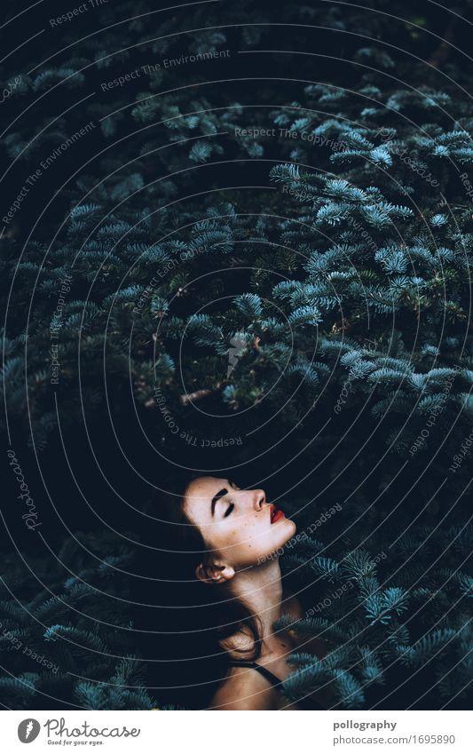 nature girl Lifestyle elegant schön Haare & Frisuren feminin Frau Erwachsene Kopf 1 Mensch schwarzhaarig langhaarig genießen stehen ästhetisch authentisch