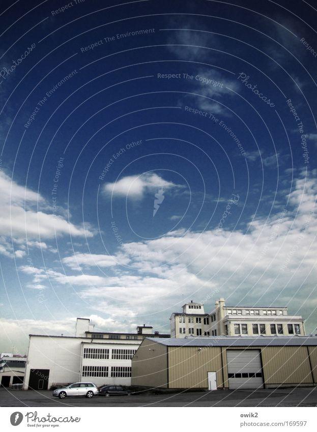 Spätschicht Himmel Wolken Haus Ferne Gebäude Arbeit & Erwerbstätigkeit PKW Technik & Technologie Zukunft Industrie Schönes Wetter Bauwerk Fabrik Wirtschaft