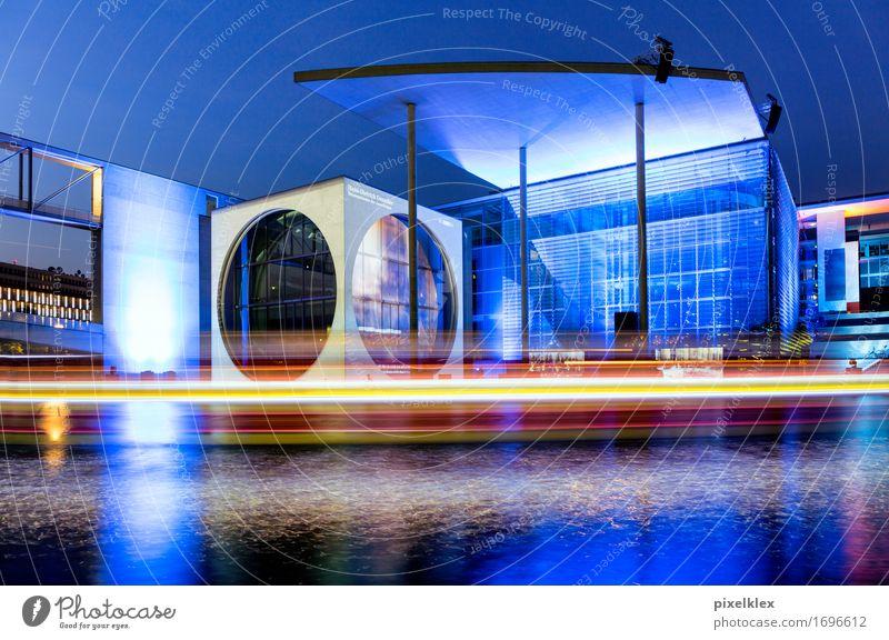 Kanzleramt bei Nacht Stadt blau Architektur Berlin Gebäude Business Deutschland Tourismus Wasserfahrzeug modern Erfolg Europa Macht Fluss neu Hauptstadt